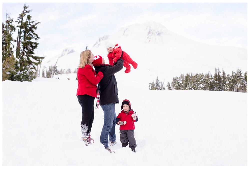 Portland Holiday Christmas Mt Hood Family Newborn Photographer Photography_0016